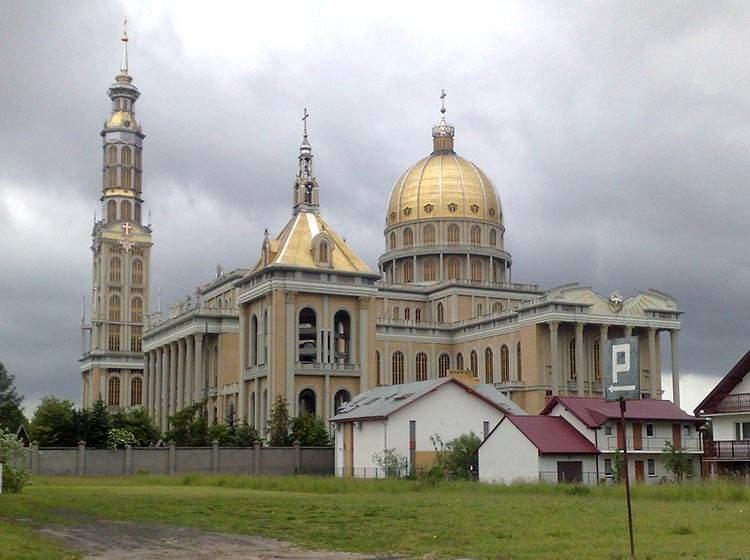 Największy kościół w Polsce: Bazylika w Licheniu