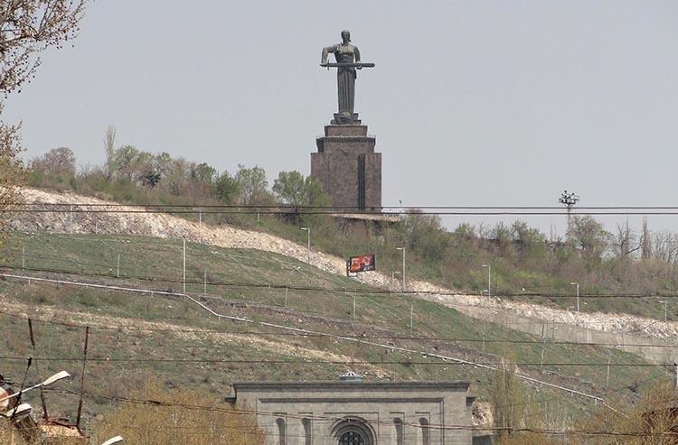 Matka Armenia pomnik Erywań ciekawostki zabytki Armenia