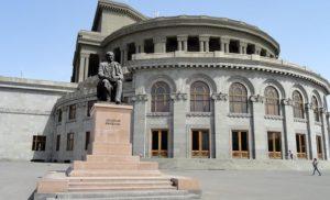Opera w Erywaniu, Armenia