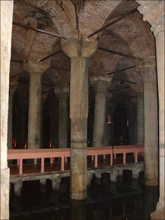 Cysterna Bazyliki w Stambule, Turcja
