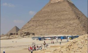 Faraon Chefren i jego piramida