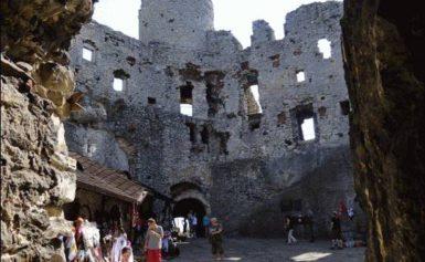 Ogrodzieniec – ruiny zamku