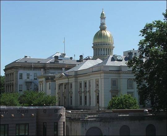 PDH ma ambasady w New Jersey i Copiague (USA)