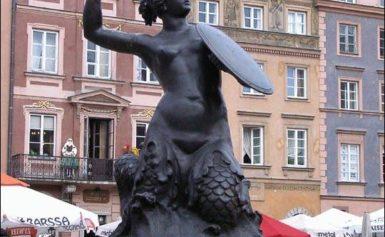 Syrenka Warszawska, Starówka w Warszawie