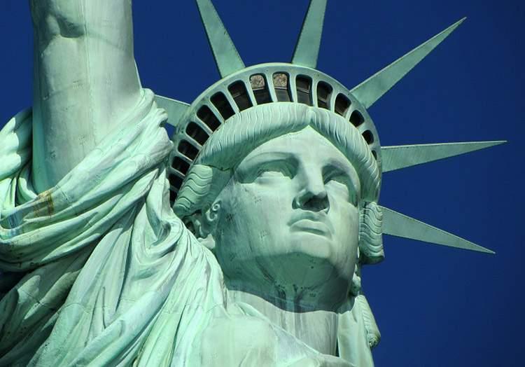Nowy Jork ciekawostki Statua Wolności Polacy Polonia