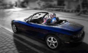Polacy – coraz chętniej za granicę samochodem