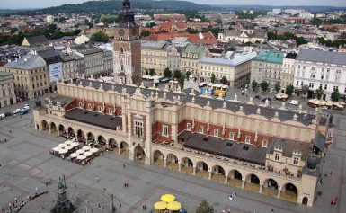 Zagraniczni turyści coraz chętniej odwiedzają Polskę