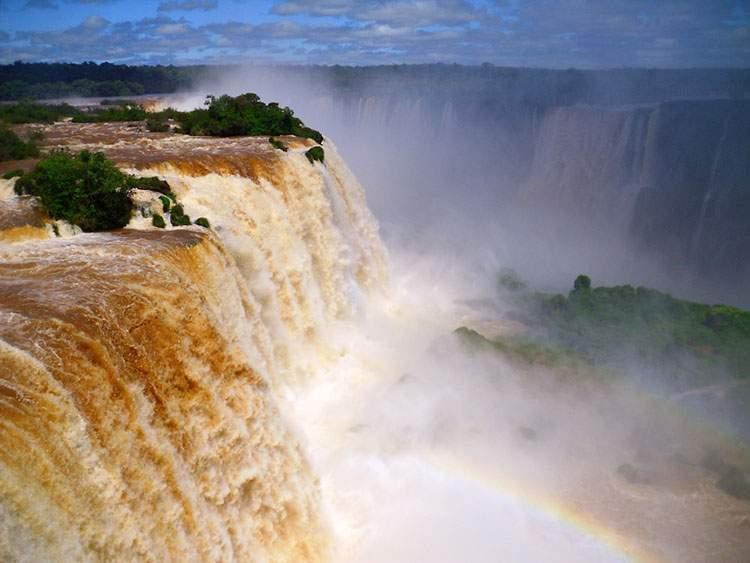 Wodospady Iguazu – klejnot Brazylii i Argentyny