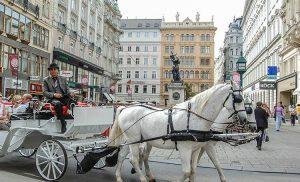 Hulajnogi elektryczne jeżdżą po Wiedniu