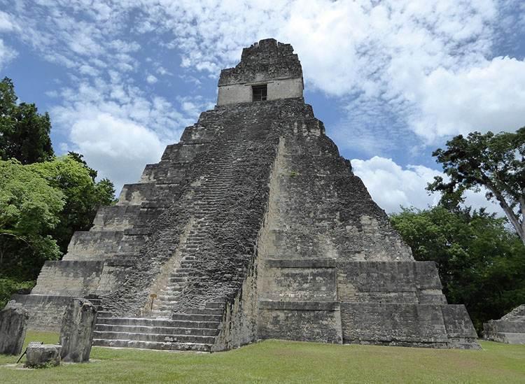 Tikal Gwatemala piramidy ciekawostki o piramidach piramida