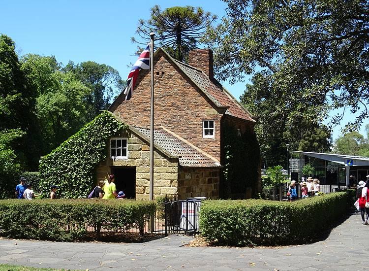 Domek Cooka, Melbourne