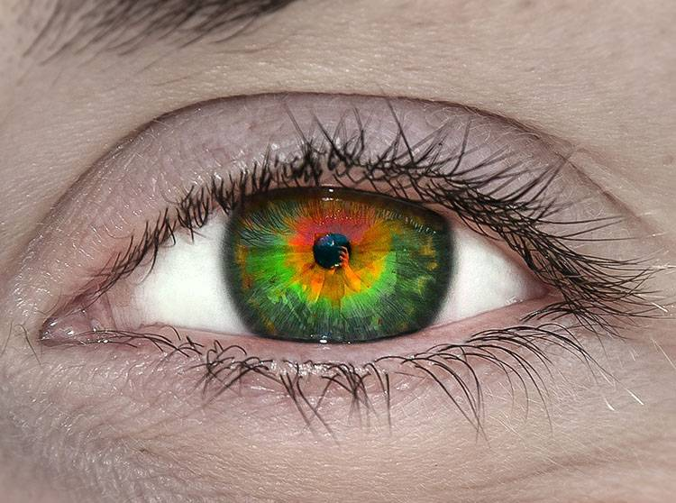 A może kolorowe soczewki kontaktowe?