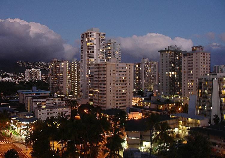 Honolulu miasto wyspy Hawaje ciekawostki plaża wakacje