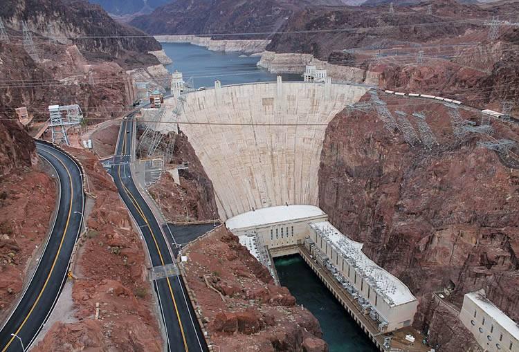 Hoover Dam zapora Hoovera Nevada ciekawostki USA atrakcje