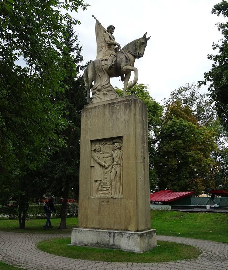 miasto Końskie ciekawostki pomnik Tadeusz Kościuszko