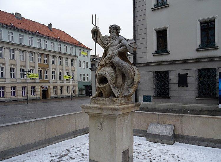 Fontanna Neptuna Gliwice ciekawostki atrakcje zabytki