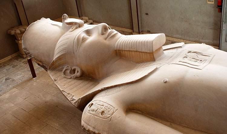 faraon Ramzes II grób Memfis starożytny Egipt