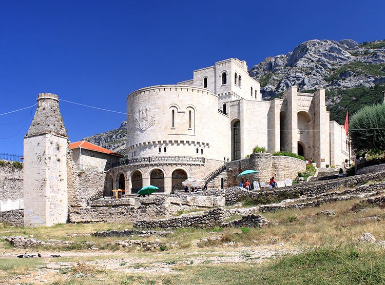 Kruja, miasto w Albanii