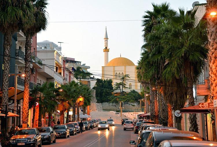 Wielki meczet Durres Albania