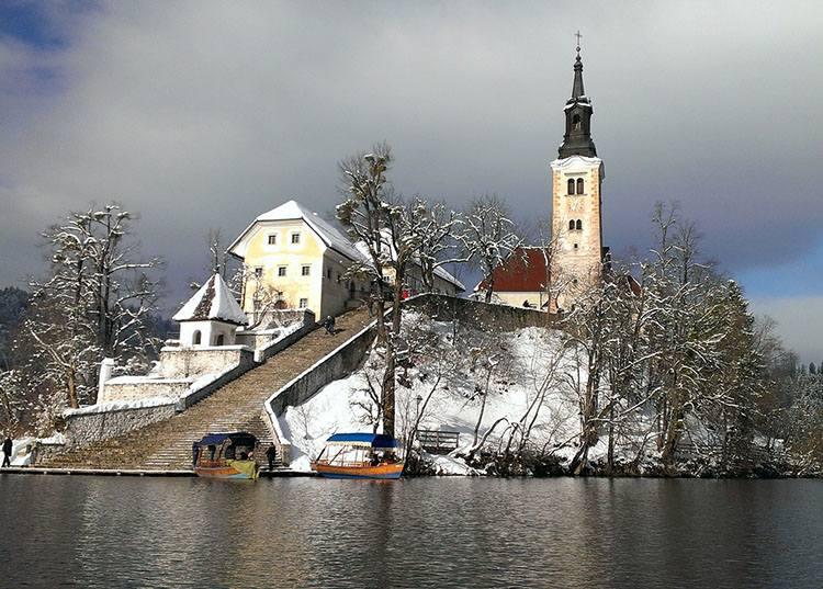Bled kościół Wniebowzięcia Słowenia ciekawostki atrakcje zabytki