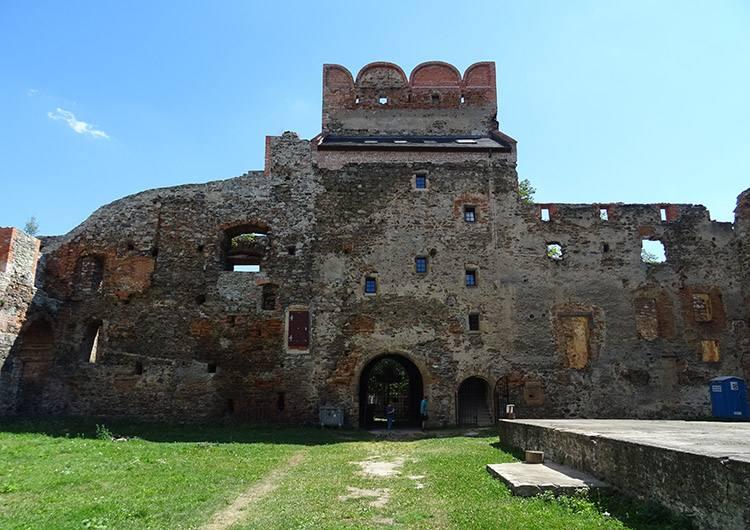 zamek ruiny Ząbkowice Śląskie ciekawostki zabytki atrakcje