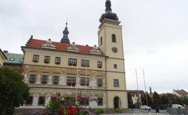 Mladá Boleslav, Czechy. Stary i nowy ratusz