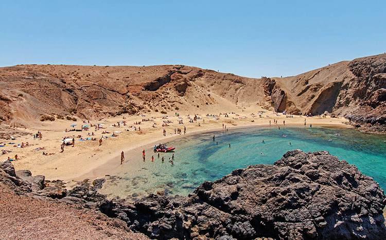 Lanzarote plaża Wyspy Kanaryjskie plaże wakacje