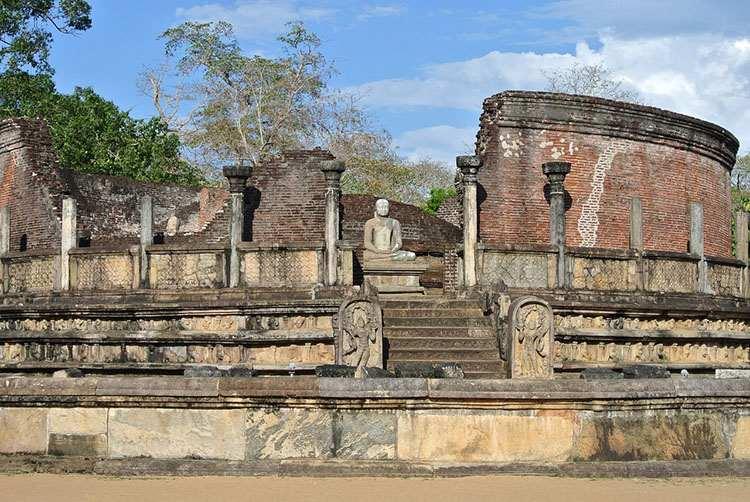 posąg Buddy Sri Lanka ciekawostki