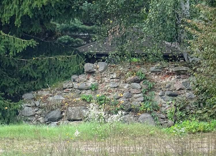 Bratian atrakcje historia zamek krzyżacki ruiny zamku krzyżackiego Krzyżacy