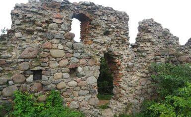 Ruiny zamku w Kurzętniku, warmińsko-mazurskie