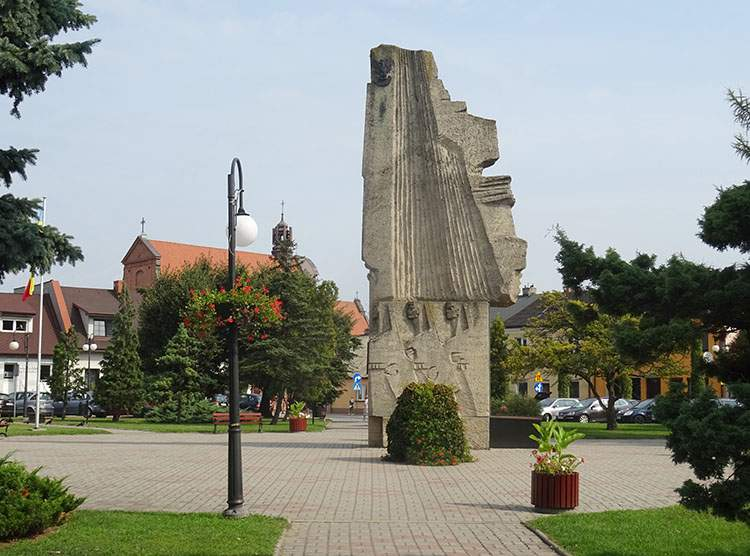 pomnik Oręża na rynku w Radziejowie kujawsko-pomorskie