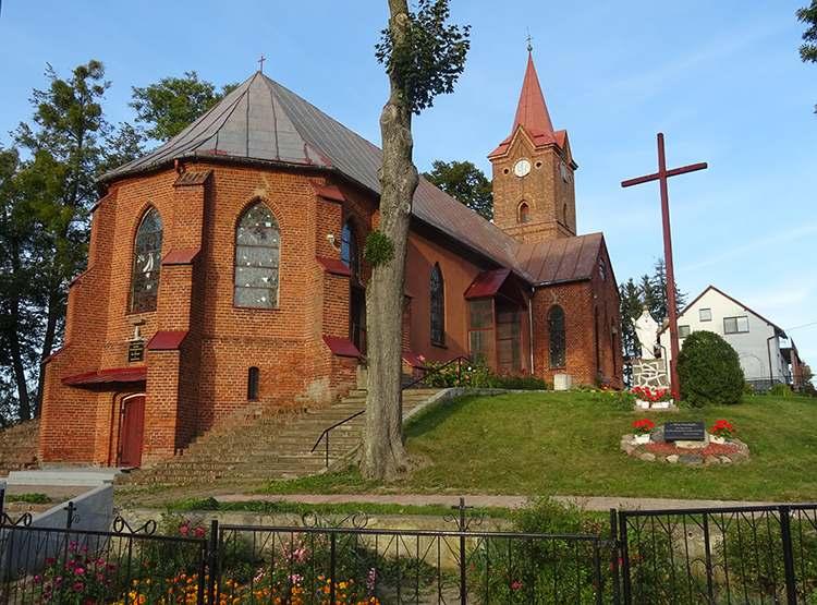 kościół św. Rodziny w Bałoszycach-Bałoszyce