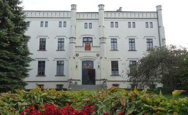 Bałoszyce na Mazurach i pałac